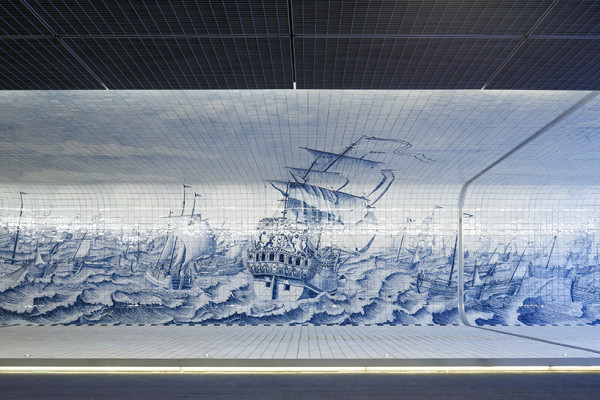 amsterdam-tunnel-lined-with-80-000-delft-blue-tiles-09-600x400