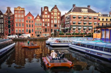 an-artists-impression-of-a-robot-boat-in-action